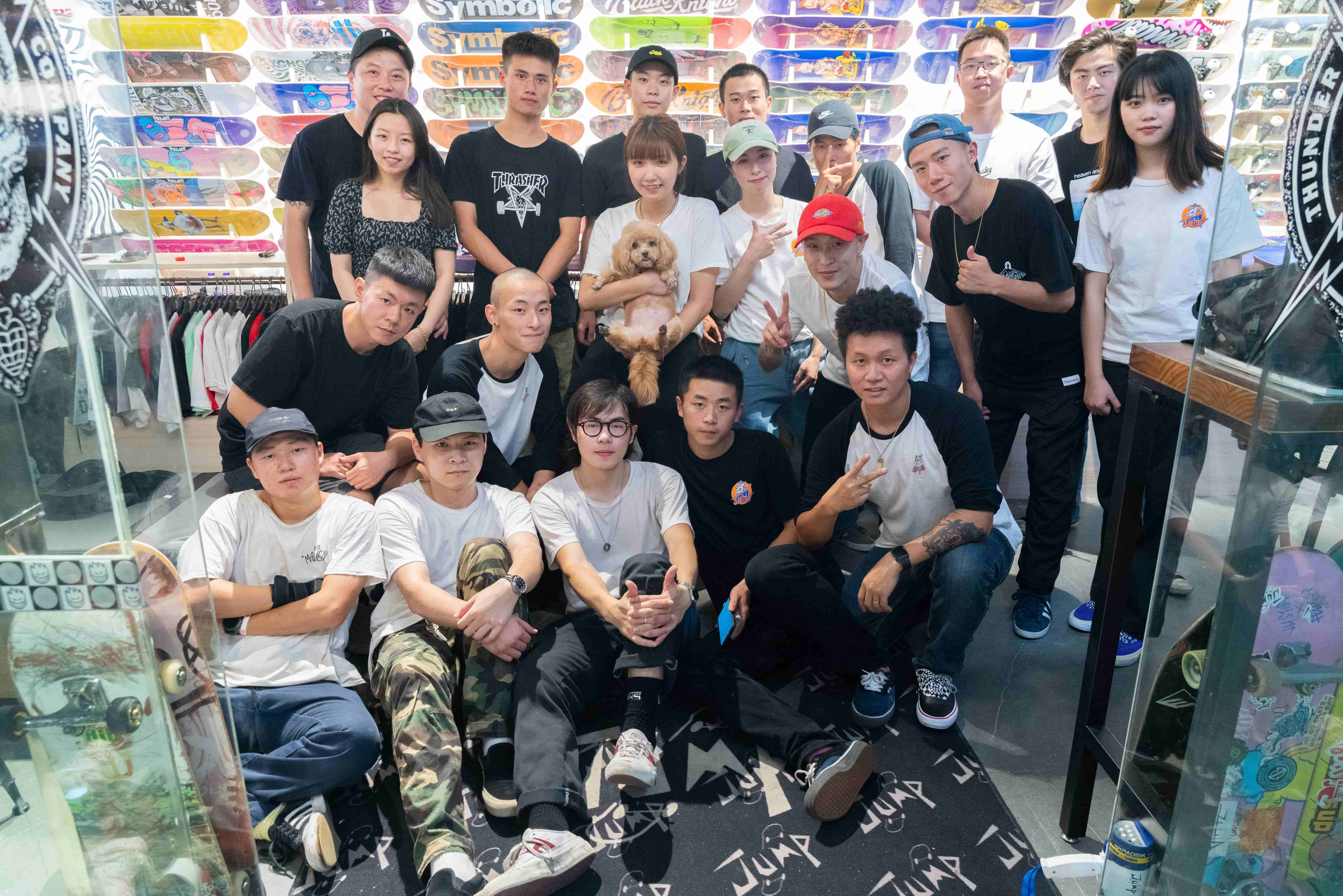 Skate and Brave | Black Knight X Jump skate shop Collabration!(图9)
